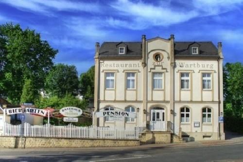 Gasthaus u. Pension*** �Zur Wartburg�